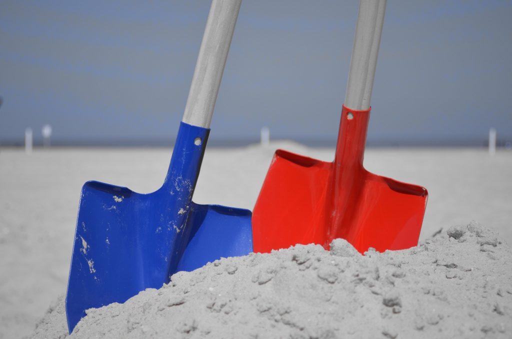 Hračky do piesku lopatky a hrabličky