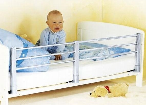 Pevná zábrana na posteľ