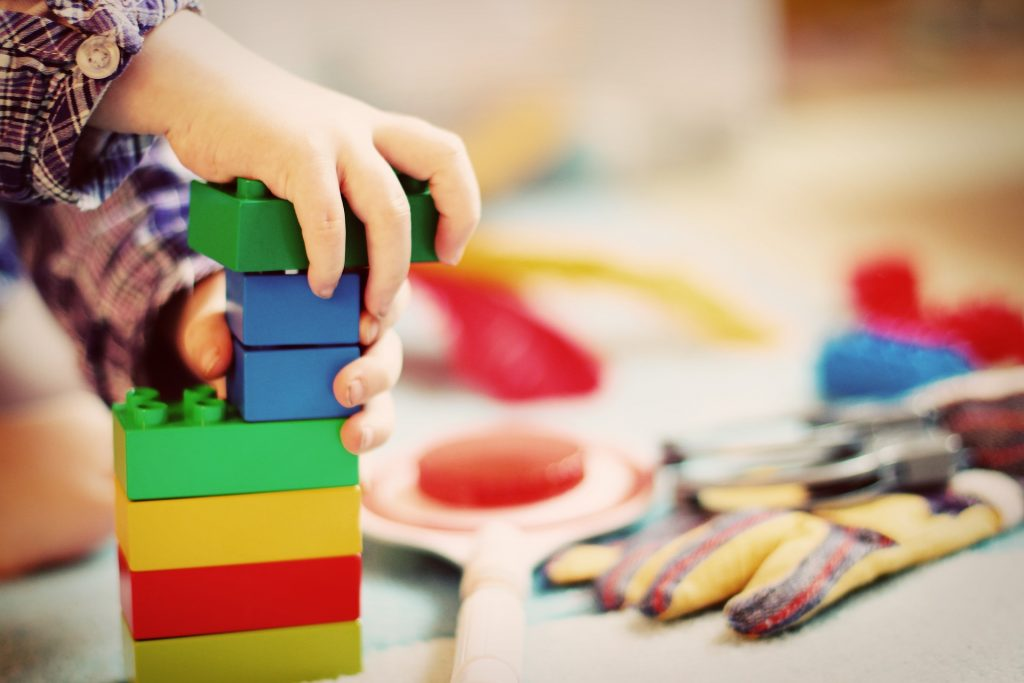 Detské stavebnice-hračky na rozvoj jemnej motoriky