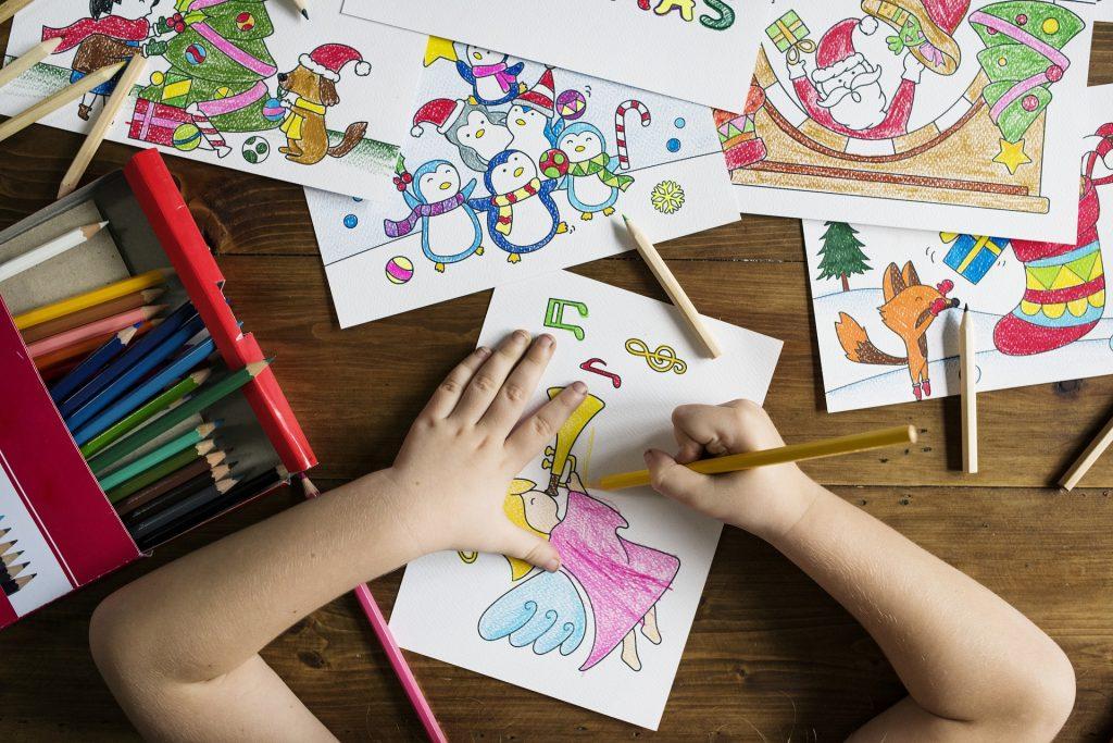 Kvalitný darček pre deti kreatívne hračky