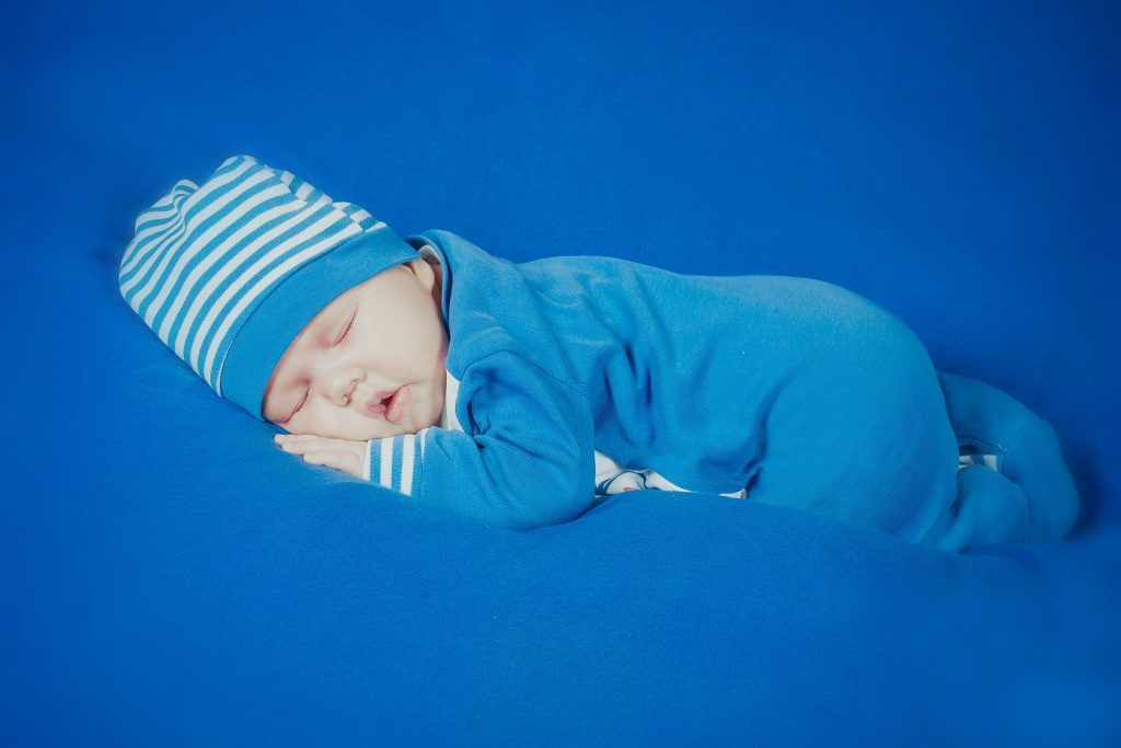 Čo obliecť novorodencovi v zime