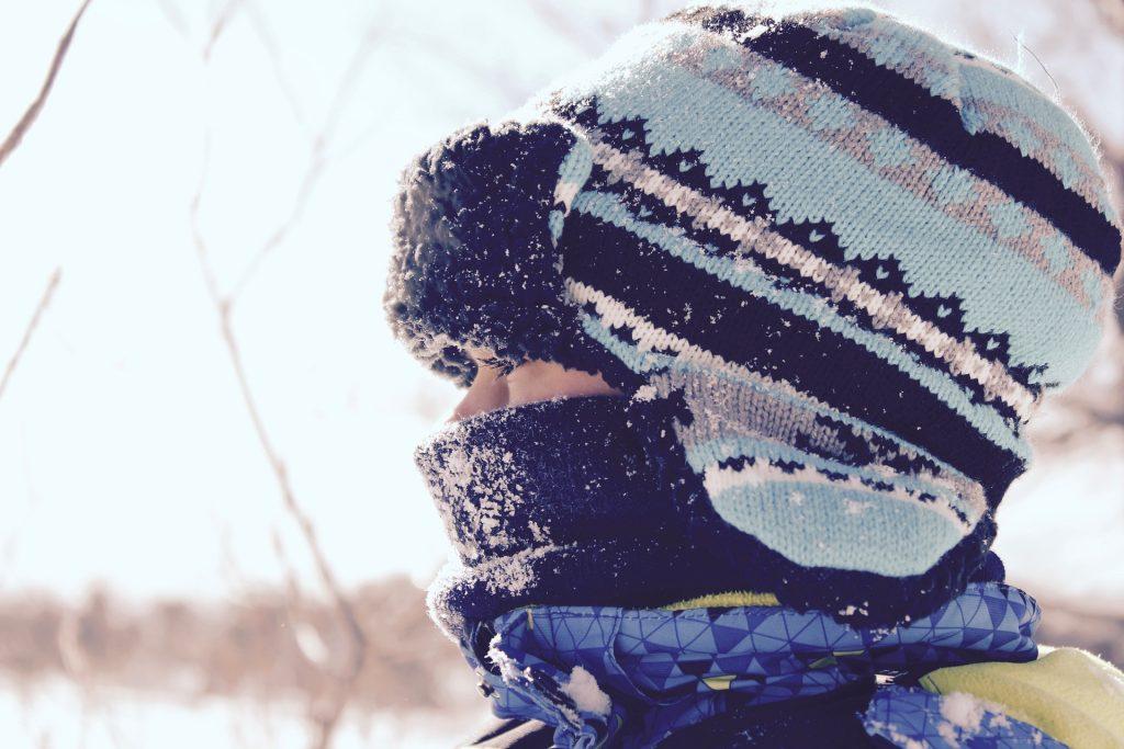 Ako obliekať deti v zime. Výber čiapky